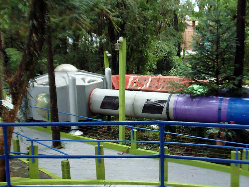 spaceship05.jpg